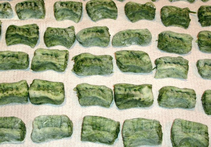 Nettle gnocchi rolled