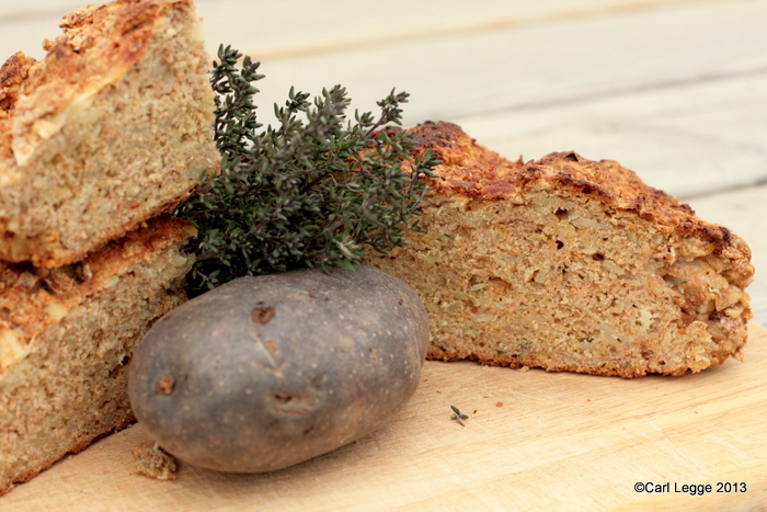 Potato soda bread with cheese, garlic & thyme